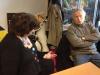 Renaud en pleine discussion avec la graphiste