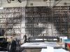 Bibliothèque de pierres lithographiques, installation de JR reprenant l'oeil de Picasso