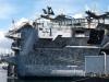 Au pied de l'USS Dwight D. Eisenhower
