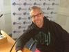 Zidrou commence la journée très tôt chez Radio Nostalgie, plein de bonne volonté !